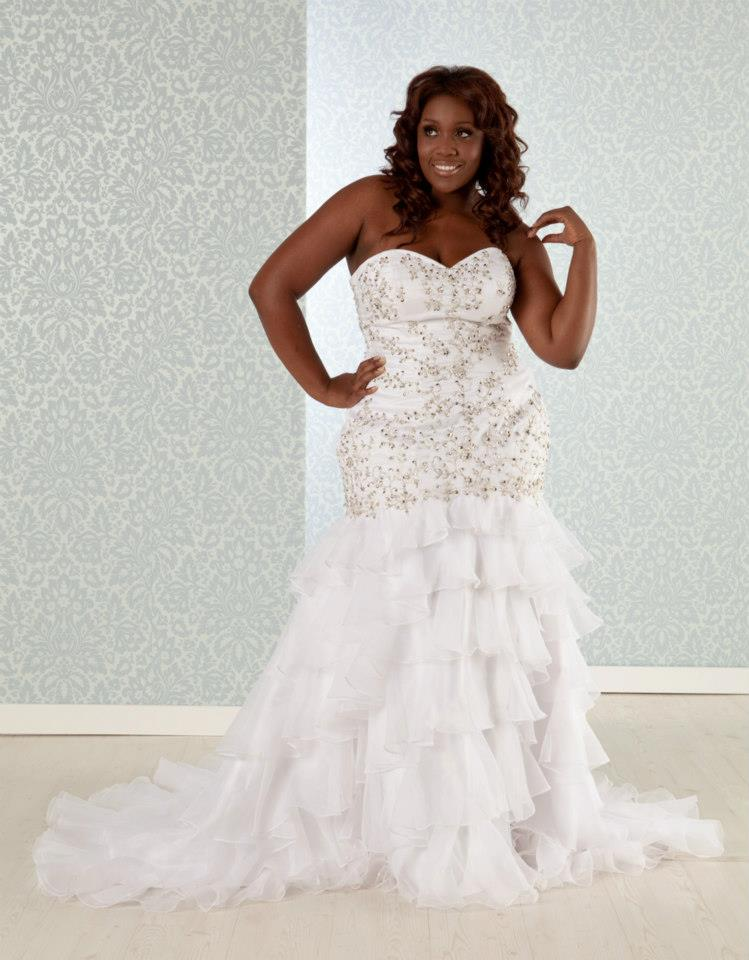 plus size bridal, real size bride