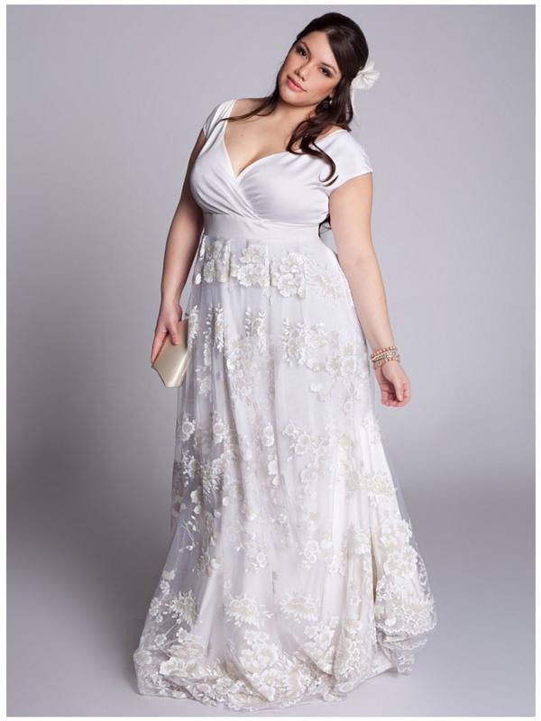 plus size bride, plus size wedding gown