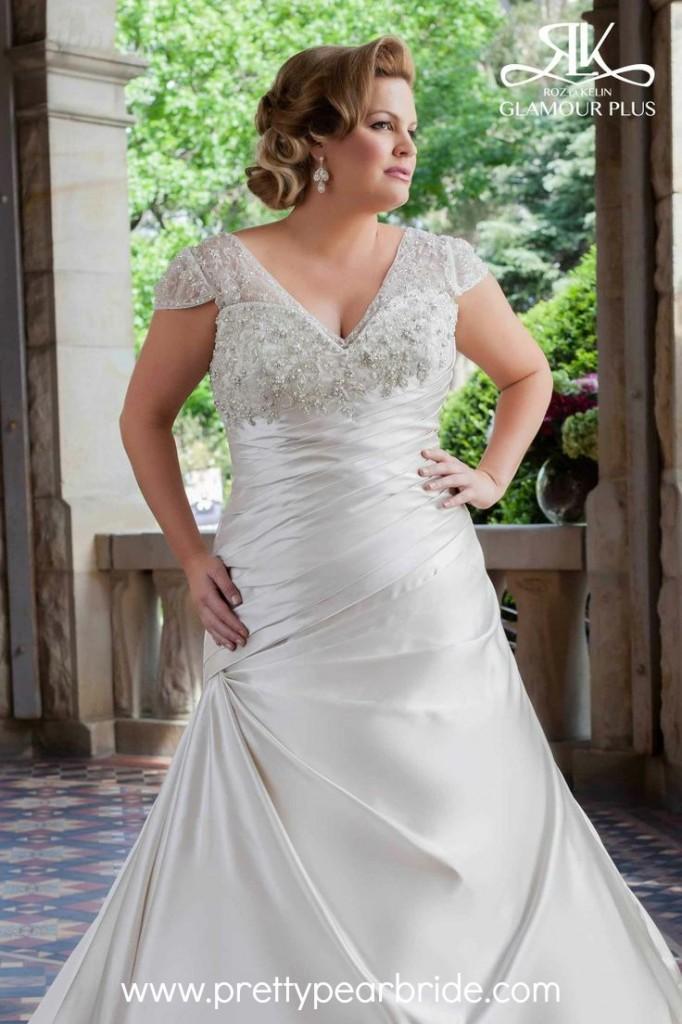b013a2a0018 Plus Size Wedding Dress of the Week ~ Glamour Plus  Abella