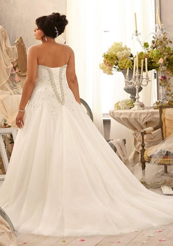 plus size bride, Julietta spring 2014 collection