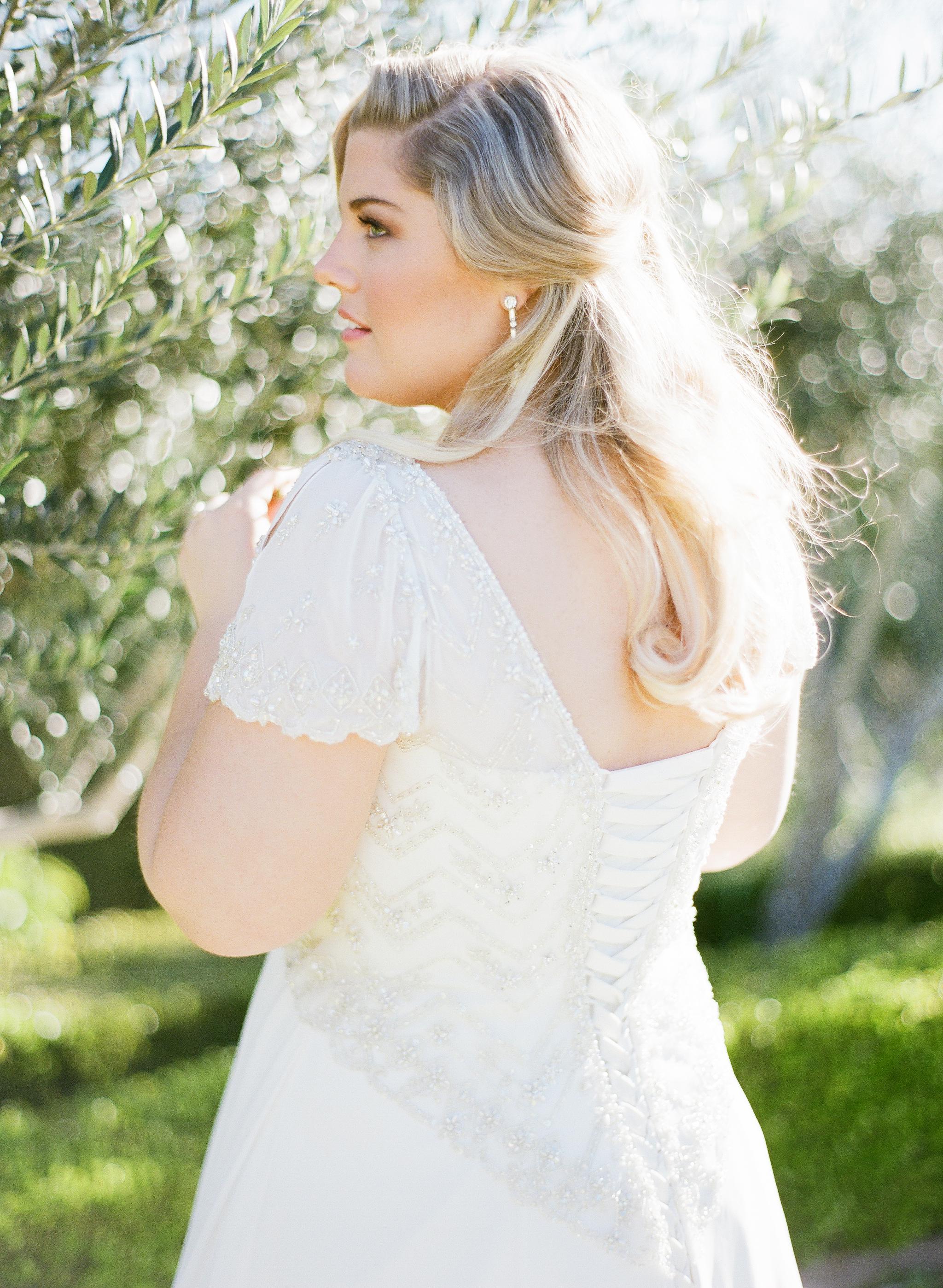plus size wedding dress, plus size bridal
