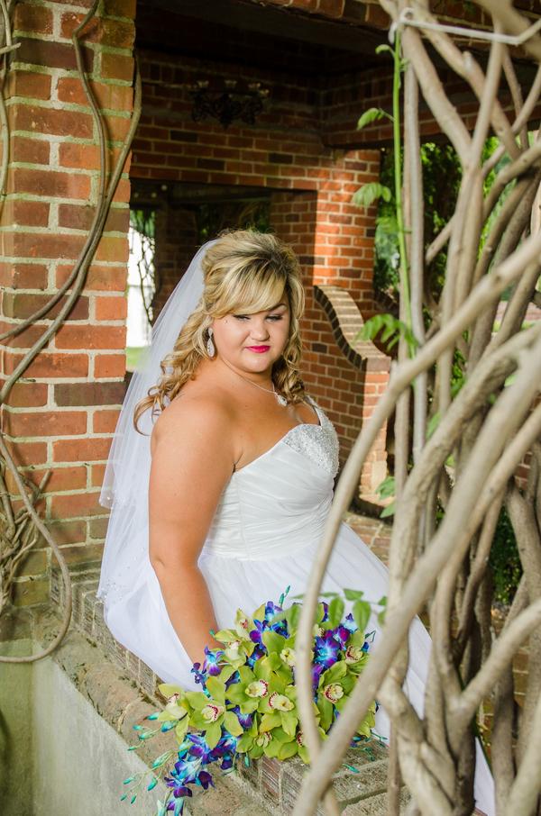 plus size bride, curvy brides
