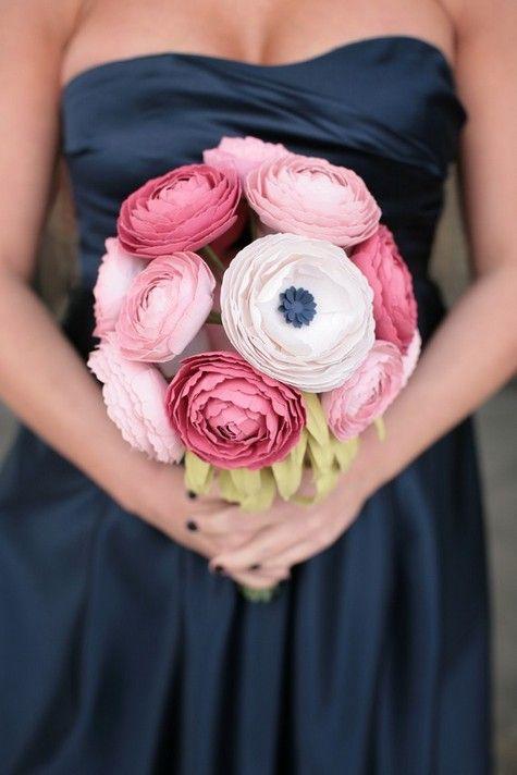 plus size bride, must have monday, paper wedding bouquets