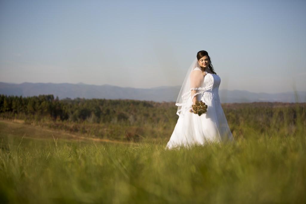 plus size brides, pretty pear bride, plus size bridal magazine