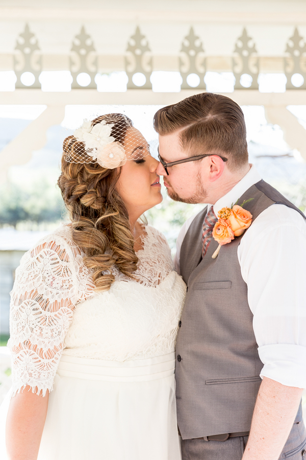plus size bride, curvy brides, pretty pear bride