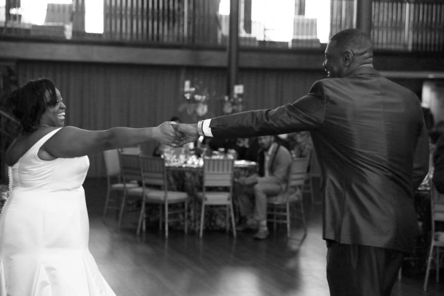 Saunders_Blackwell_Chip_Dizárd_Weddings_H08A0911_low
