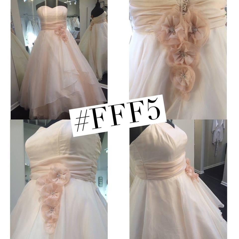 pretty pear bride, haute & Co, plus size bride, curvy brides