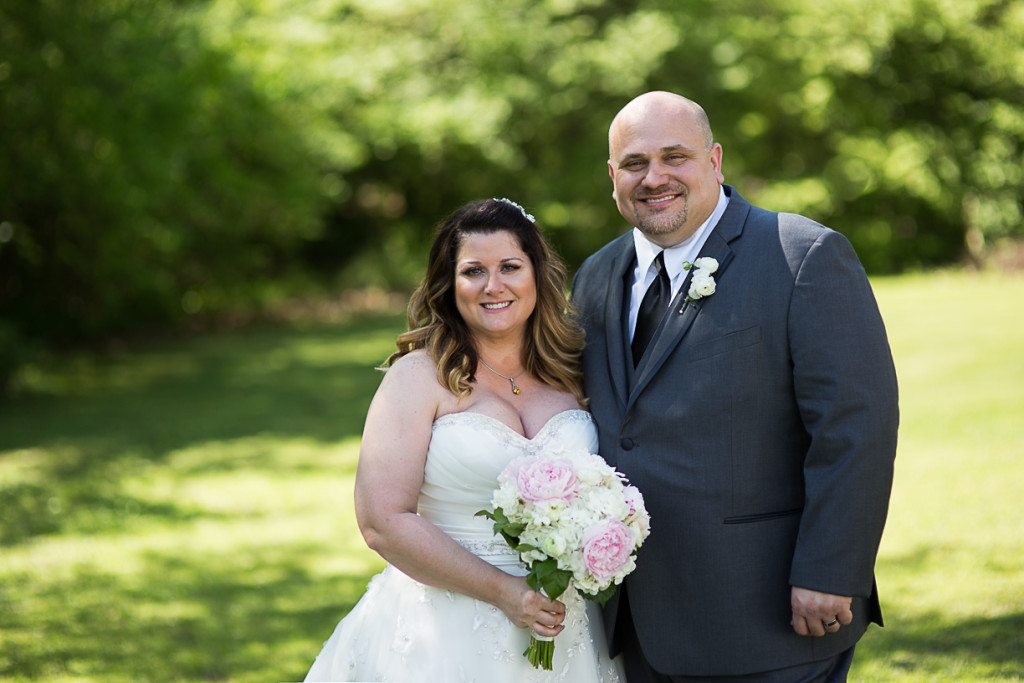 Stunning plus size bride in a B & B Spring Wedding in Missouri