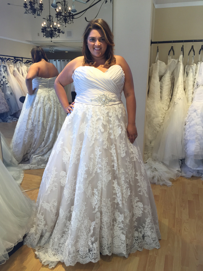 Allure Bridal W351 [Ivory]