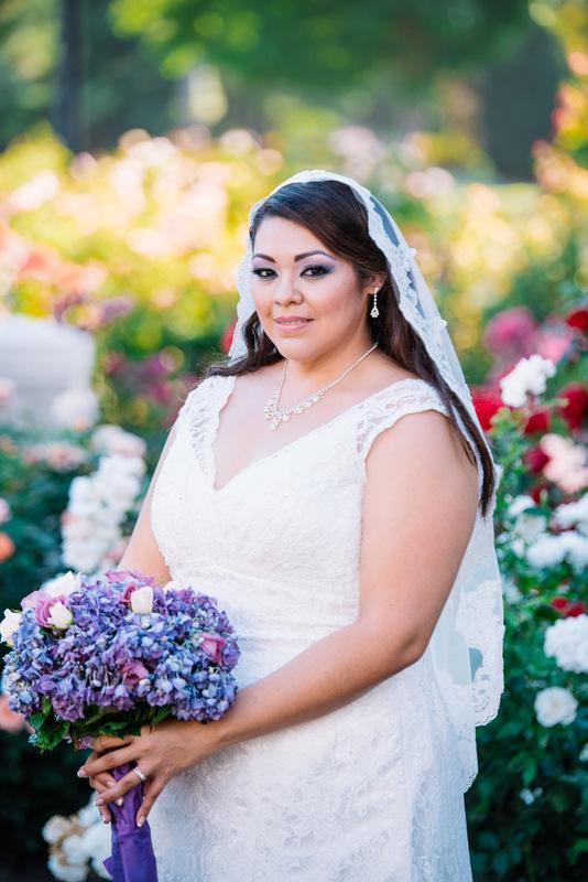 Strange Real Weddings The Pretty Pear Bride Plus Size Bridal Magazine Short Hairstyles For Black Women Fulllsitofus