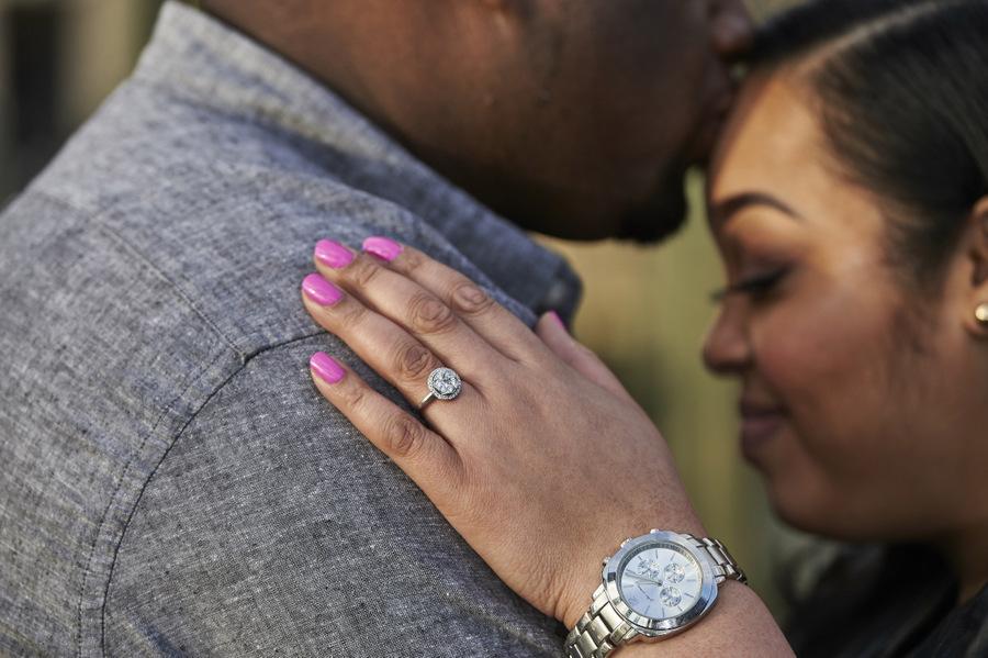 {Curvy Engagement} Battery Park Engagement | Pretty Pear Bride