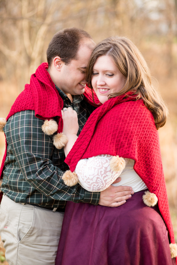 {Curvy Love Story} Cute and Cozy Winter Session in Northern Virginia | Bethanne Arthur Photography