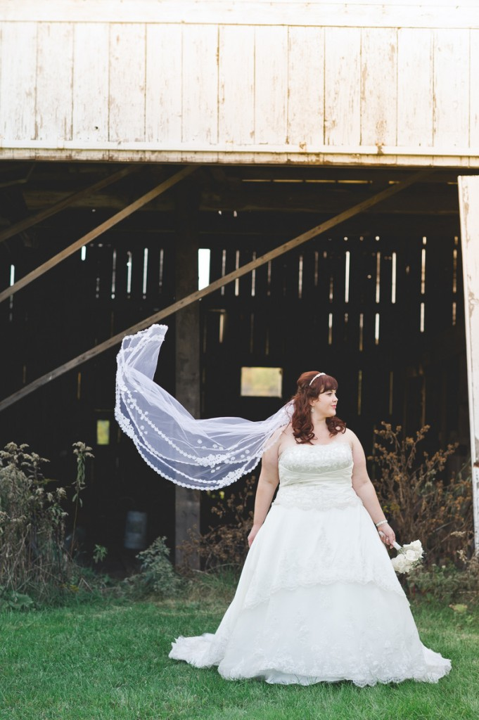 {REAL PLUS SIZE WEDDING} GREEN AND PINK DIY WEDDING IN PENNSYLVANIA | JESSICA OH PHOTOGRAPHY