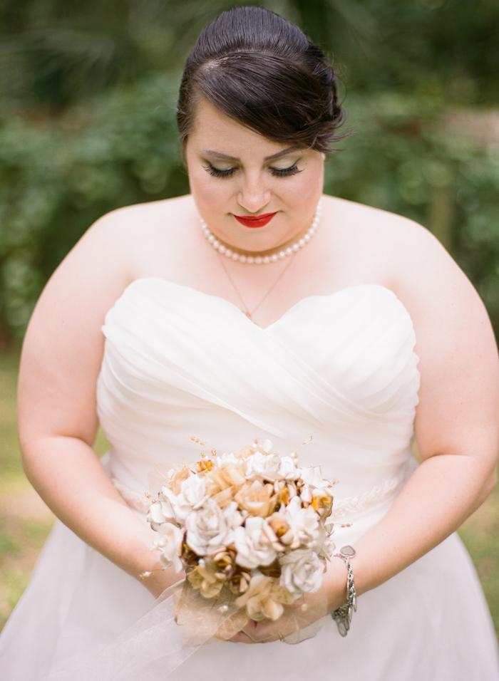 {Real Plus Size Wedding} Navy Blue, Gray and Gold B & B Florida Wedding | Emily Katharine Photography