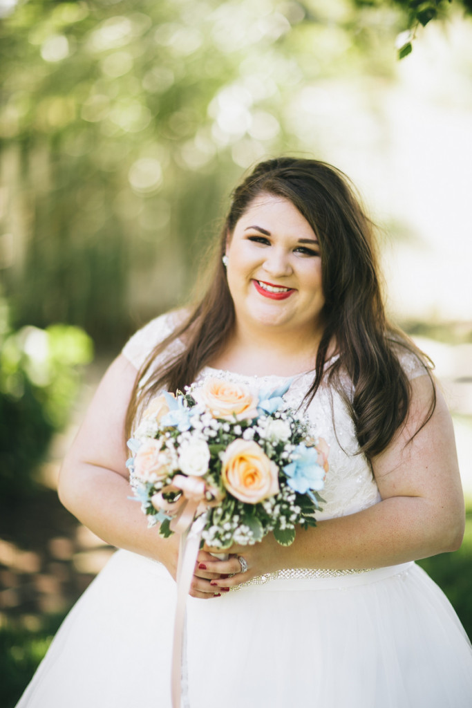 {REAL PLUS SIZE WEDDING} PASTEL AND GOLD GARDEN WEDDING IN OREGON | KEVIN GILGAN PHOTOGRAPHY