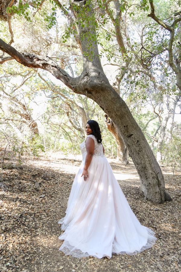 __Elizabeth_Burgi_Photography_BridalLookbook146_low