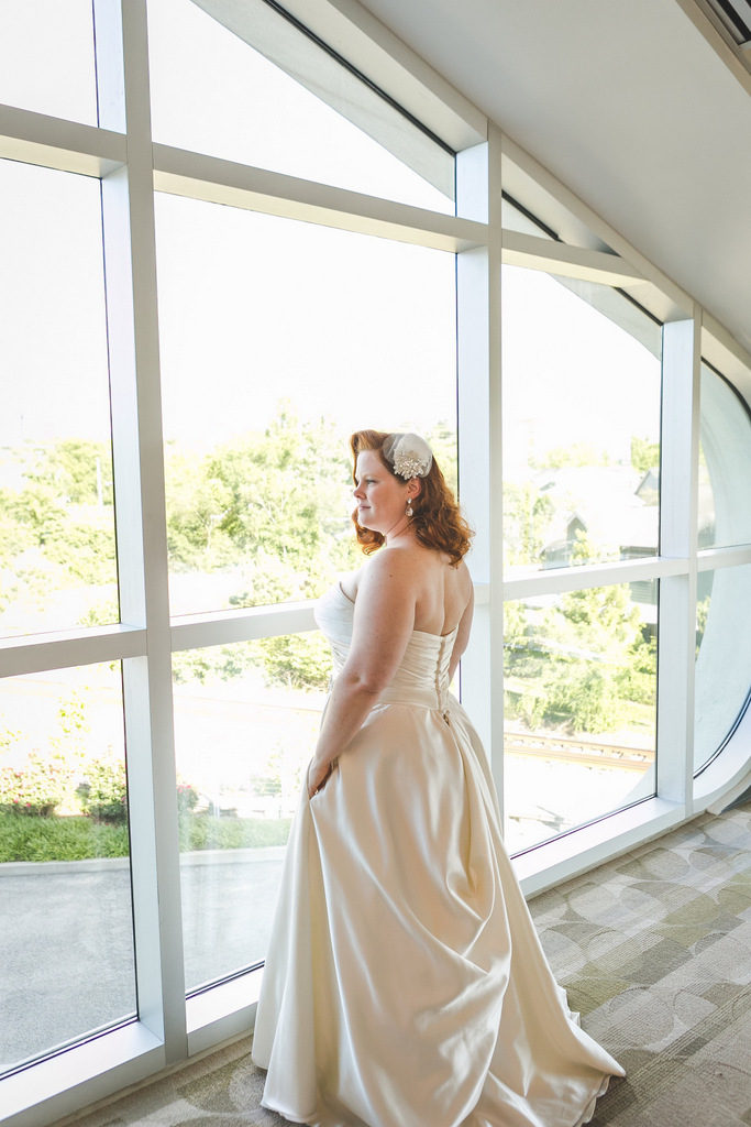 REAL WEDDING | FUN AND COLORFUL WEDDING IN NASHVILLE | PEERLESS PHOTOGRAPHY