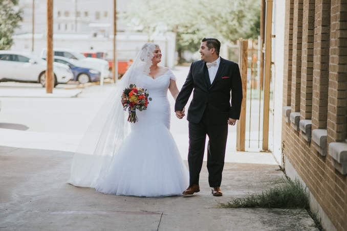 REAL WEDDING | ELEGANT NAVY AND GOLD FIESTA IN TEXAS | DONNY TIDMORE PHOTOGRAPHY | PRETTY PEAR BRIDE