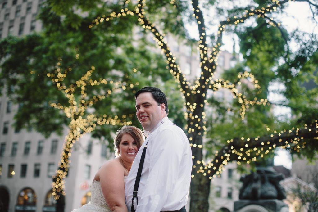 REAL WEDDING   Indianapolis Downtown Wedding   Jennifer Van Elk Photography   Pretty Pear Bride