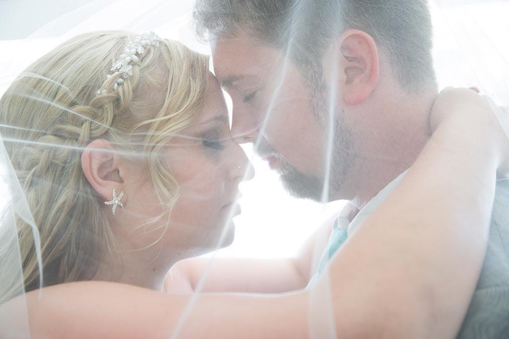 REAL WEDDING | DIY Nautical Barn Wedding on Whidbey Island | Melissa Miksch Photography | Pretty Pear Bride