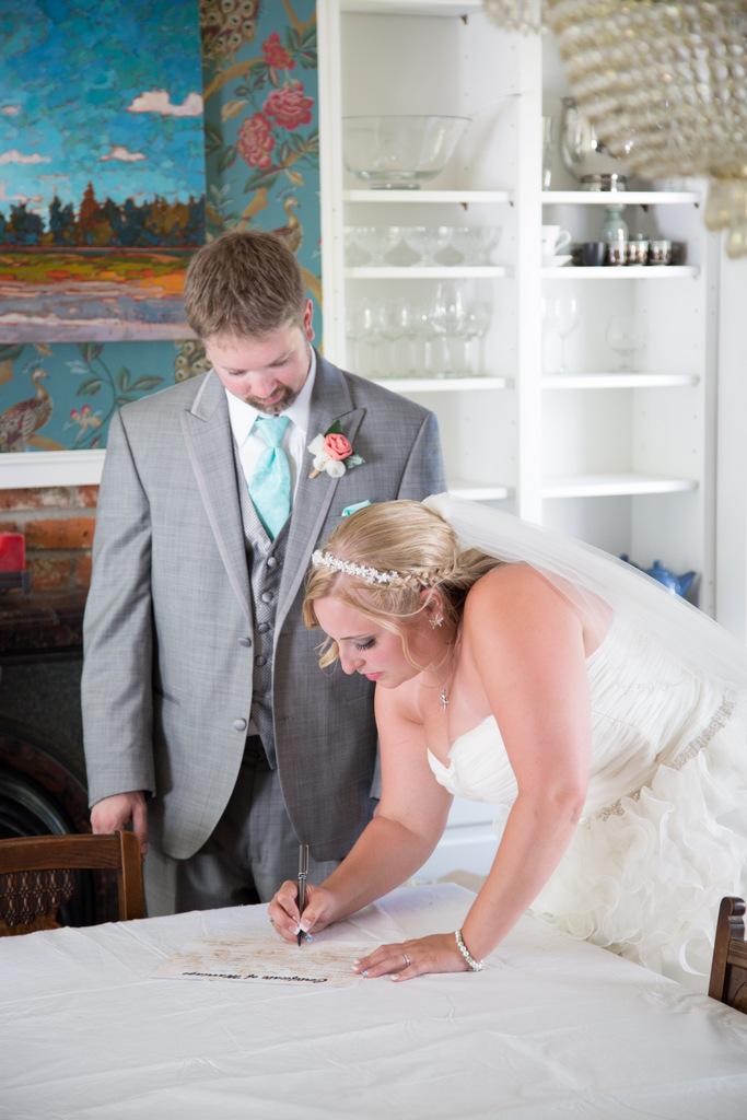 plus size wedding gown, plus size bride, tulle, plus size david's bridal wedding gown, groom, ceremony