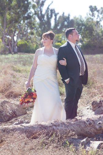 REAL WEDDING | Fall Romantic Wedding in California | Blossom Blue Photography | Pretty Pear Bride