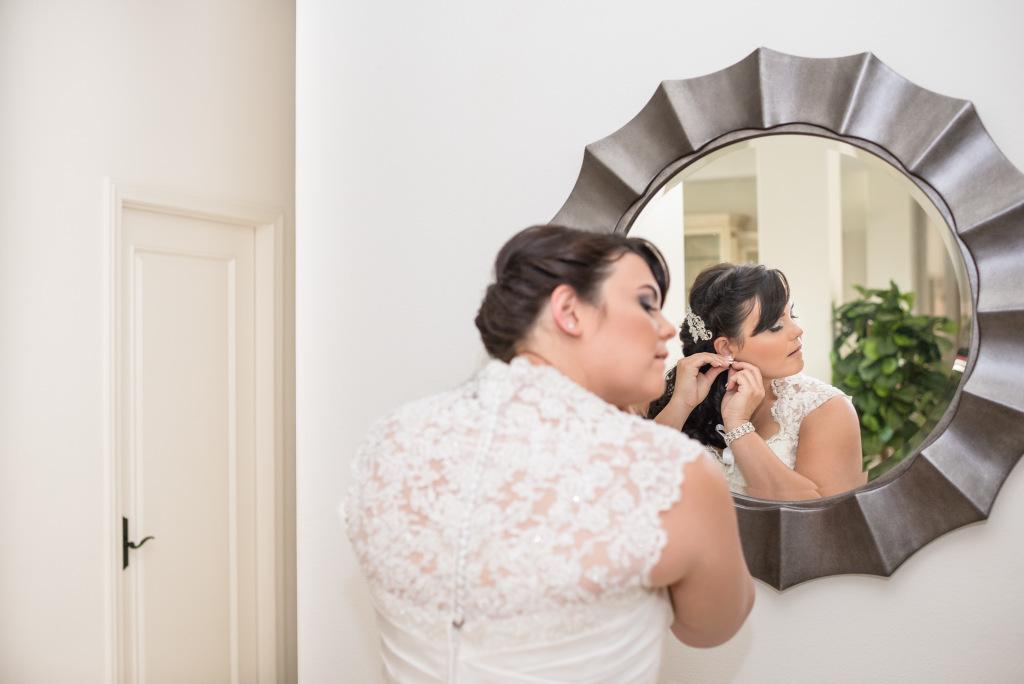 REAL WEDDING   Romantic Beach Wedding in California   Reflecting Grace Photography   Pretty Pear Bride