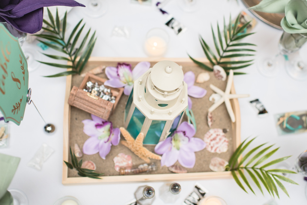 REAL WEDDING | Romantic Beach Wedding in California | Reflecting Grace Photography | Pretty Pear Bride