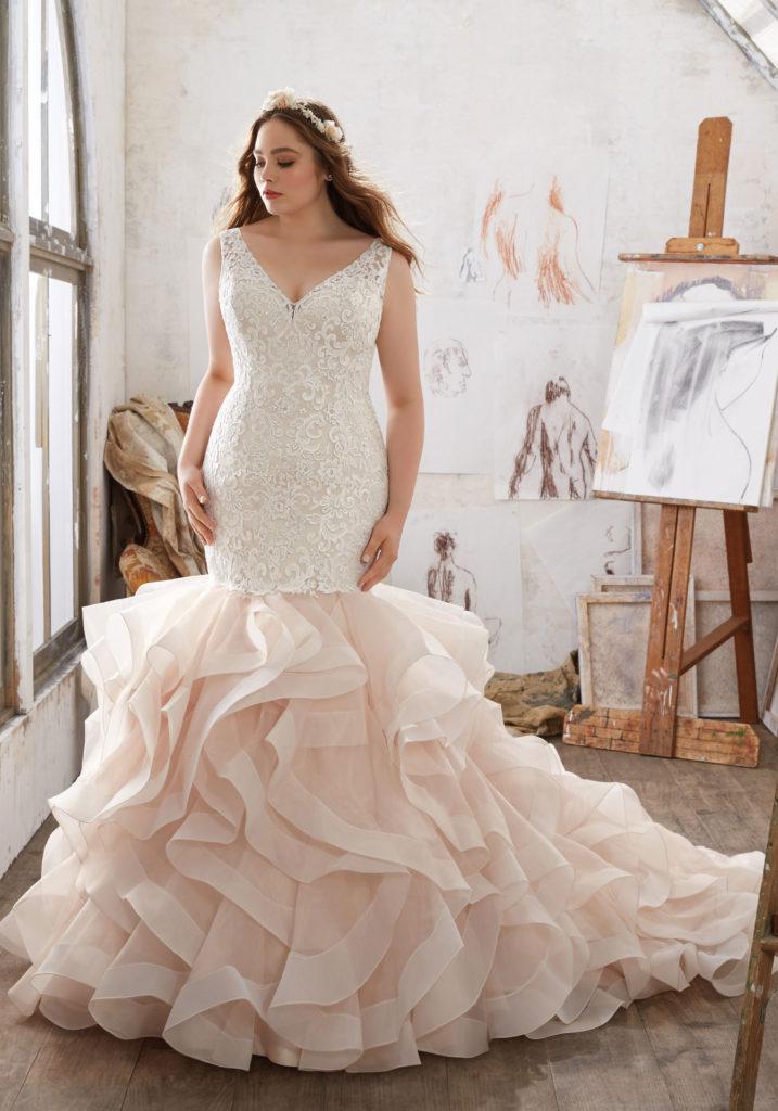 PLUS SIZE DRESS OF THE WEEK | Mildred Wedding Dress | Mori Lee - Julietta Collection | Pretty Pear Bride
