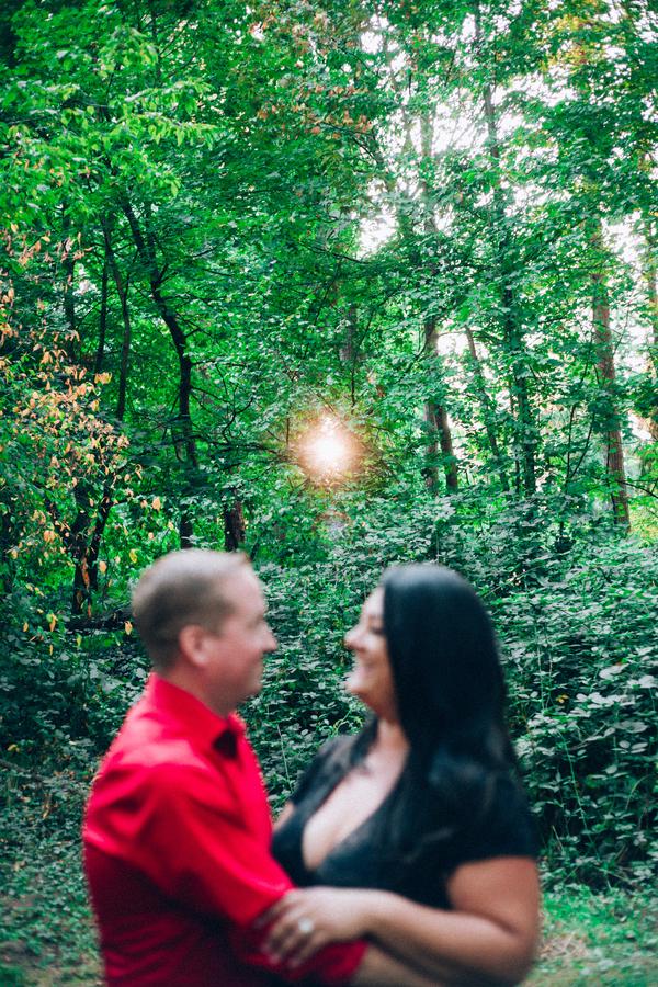 STYLED SHOOT | Romantic Anniversary Couples Session in Tacoma WA | Markie Jones Photography LLC | Pretty Pear Bride