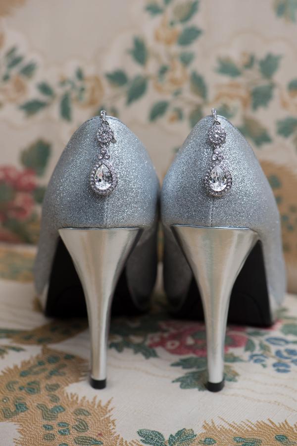 REAL WEDDING   Garden Wedding in Florida   Corner House Photography   Pretty Pear Bride