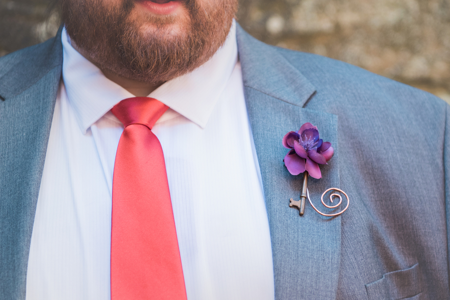 REAL WEDDING | Purple and Red Museum Wedding | Smile Peace Love Photography | Pretty Pear Bride