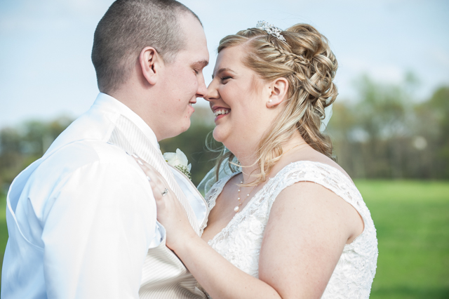 REAL WEDDING | RUSTIC CHIC SOUTHERN MARYLAND WEDDING | LOVE CHARM PHOTOGRAPHY | PRETTY PEAR BRIDE