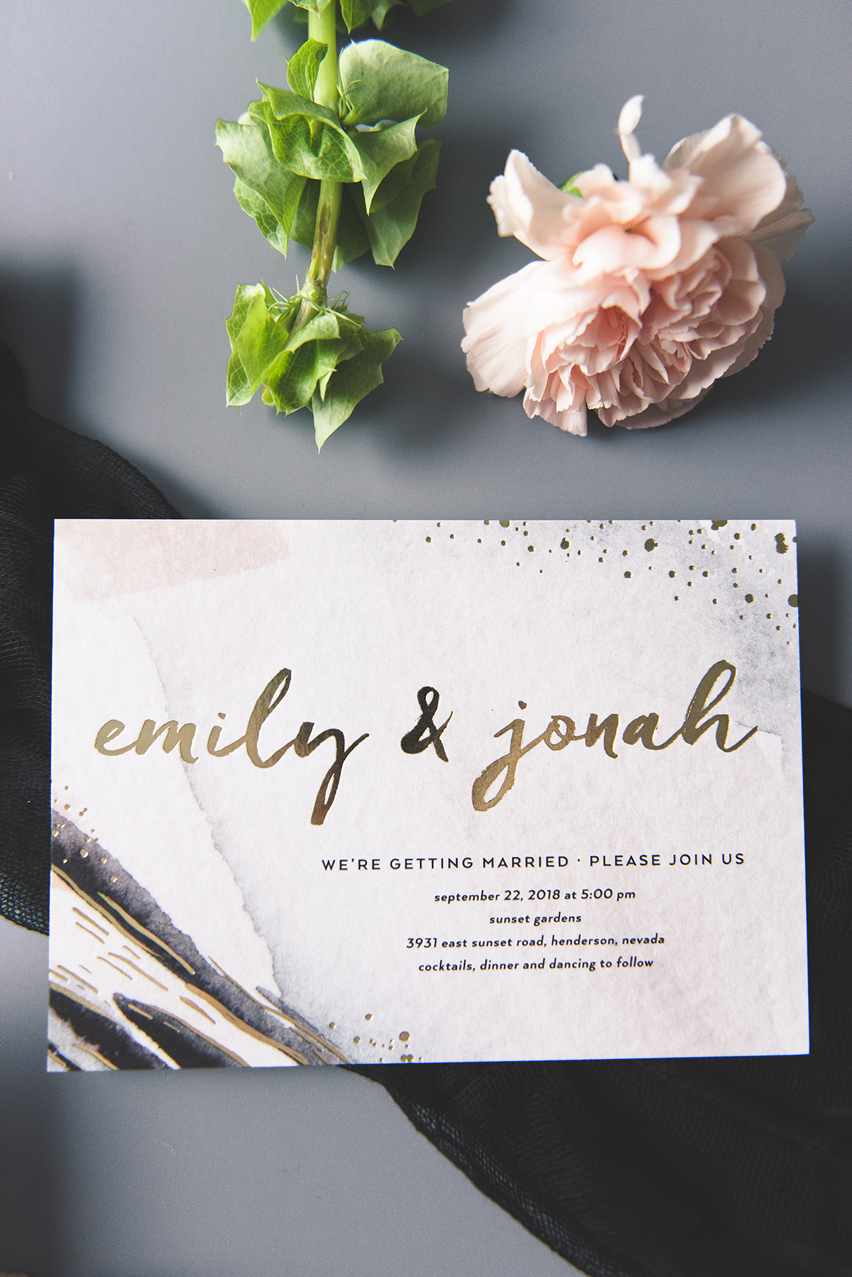 MUST HAVE MONDAY | Swoon-worthy Invitations from Wedding Paper Divas | Pretty Pear Bride