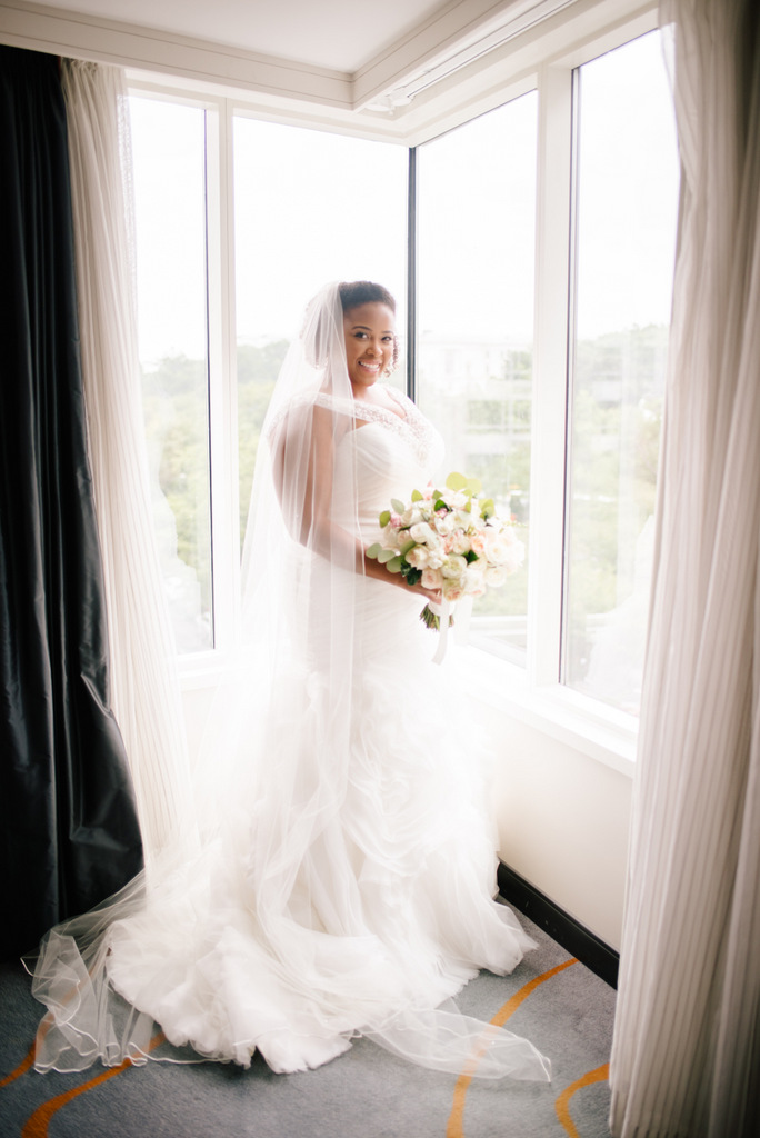 REAL WEDDING | Beautiful DC Spring Wedding | Unique2Chic Photography | Pretty Pear Bride