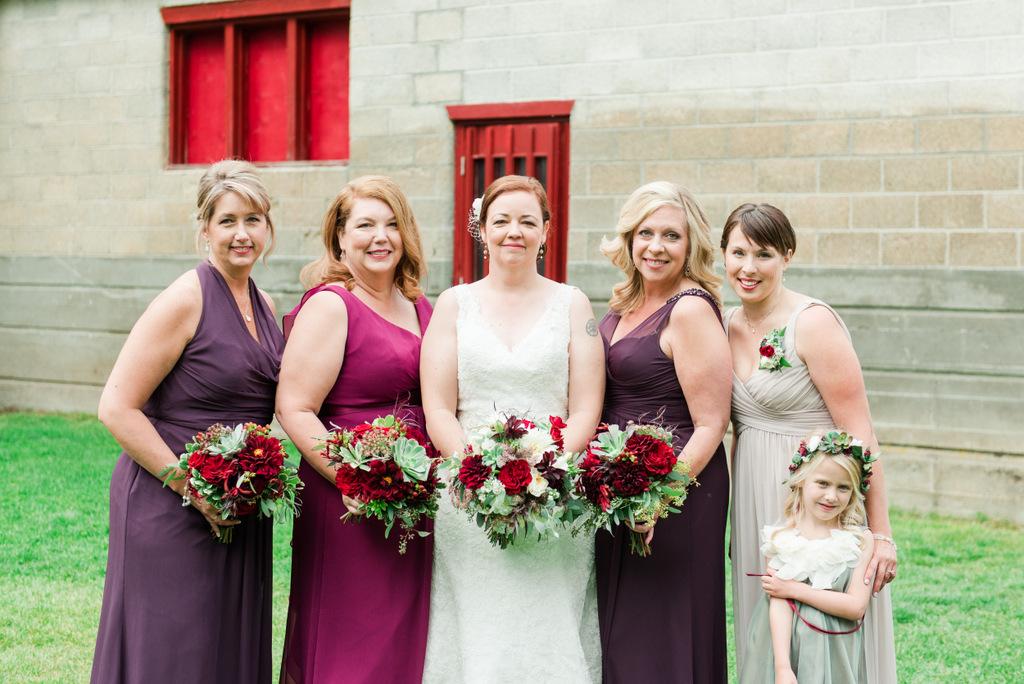 REAL WEDDING | Pine River Ranch Wedding in Washington | Misty C. Photography | Pretty Pear Bride
