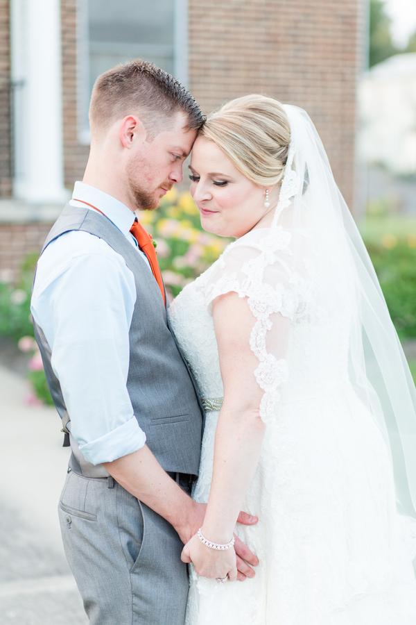 REAL WEDDING | Orange + Blue Wedding in Virginia | Bethanne Arthur Photography | Pretty Pear Bride