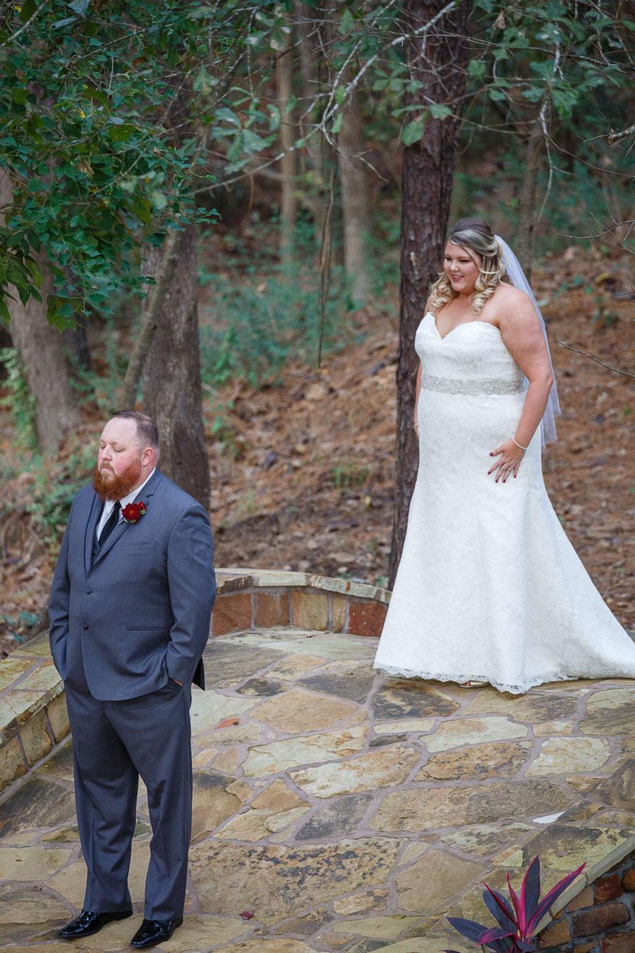 REAL WEDDING | RUSTIC GLAM TEXAS WEDDING | C.Baron Photography | Pretty Pear Bride
