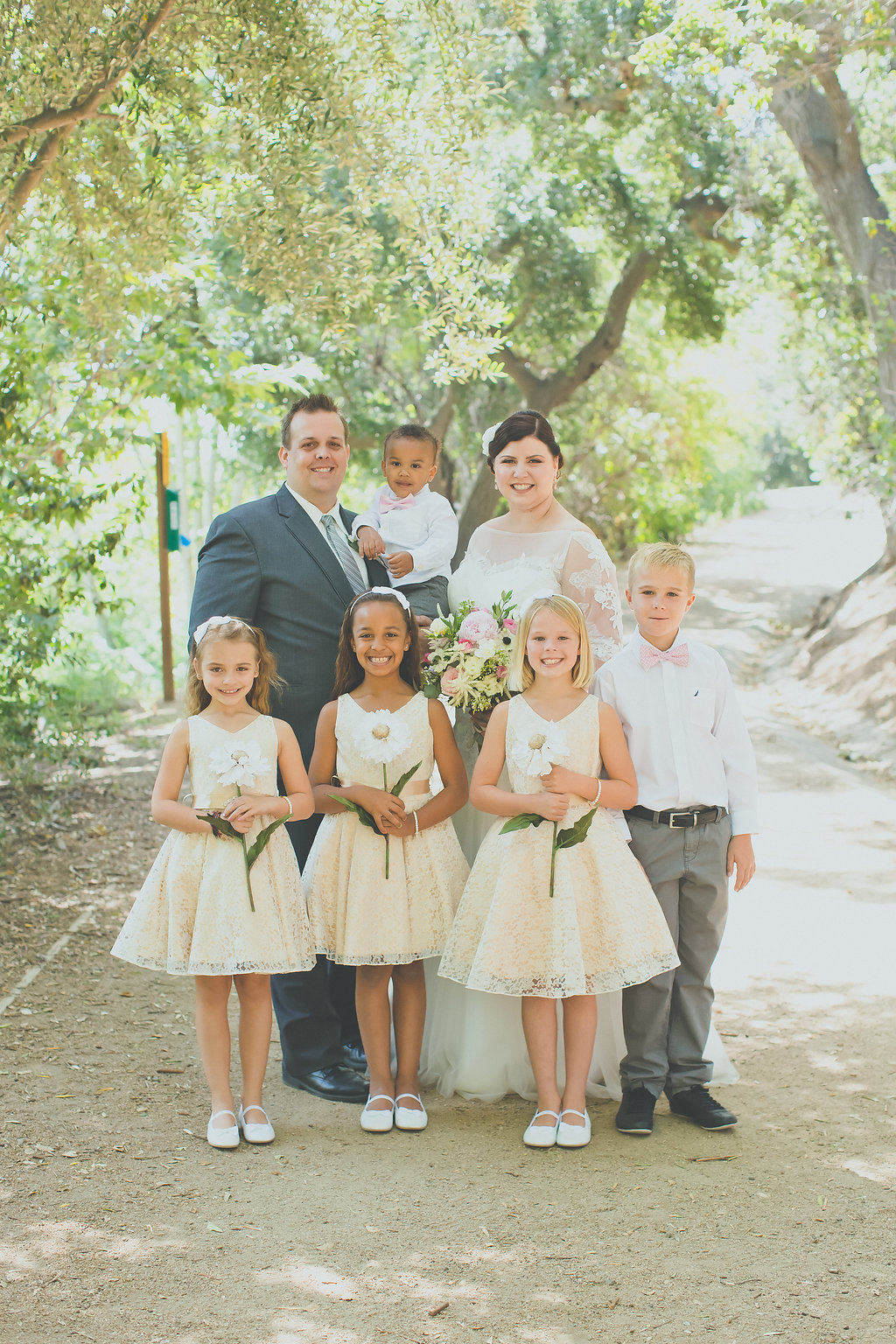 REAL WEDDING | DIY OUTDOOR WEDDING IN CALIFORNIA | David Nget Photography | Pretty Pear Bride