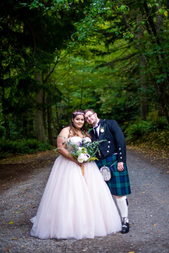 Real Wedding Enchanting Alice In Wonderland Wedding In Washington