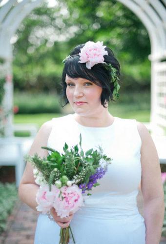 PLANNING | Stylish And Simple Backyard Ceremony Ideas | Pretty Pear Bride