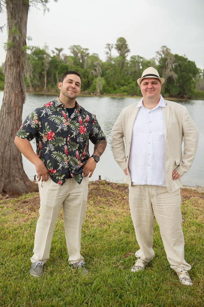 REAL WEDDING | Blush and Plum Tropical Florida Wedding | Kristen Marie Photography | Pretty Pear Bride
