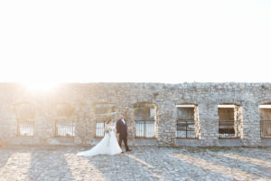 REAL WEDDING | ELEGANT AND INTIMATE CANADIAN WEDDING | Samantha Ong Photography | Pretty Pear Bride