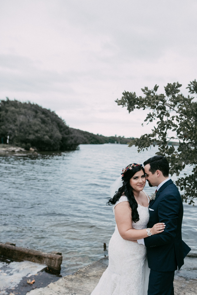 REAL WEDDING | Cozy Winter and Tropical Infused Miami Wedding | Sara Lobla Photography | Pretty Pear Bride