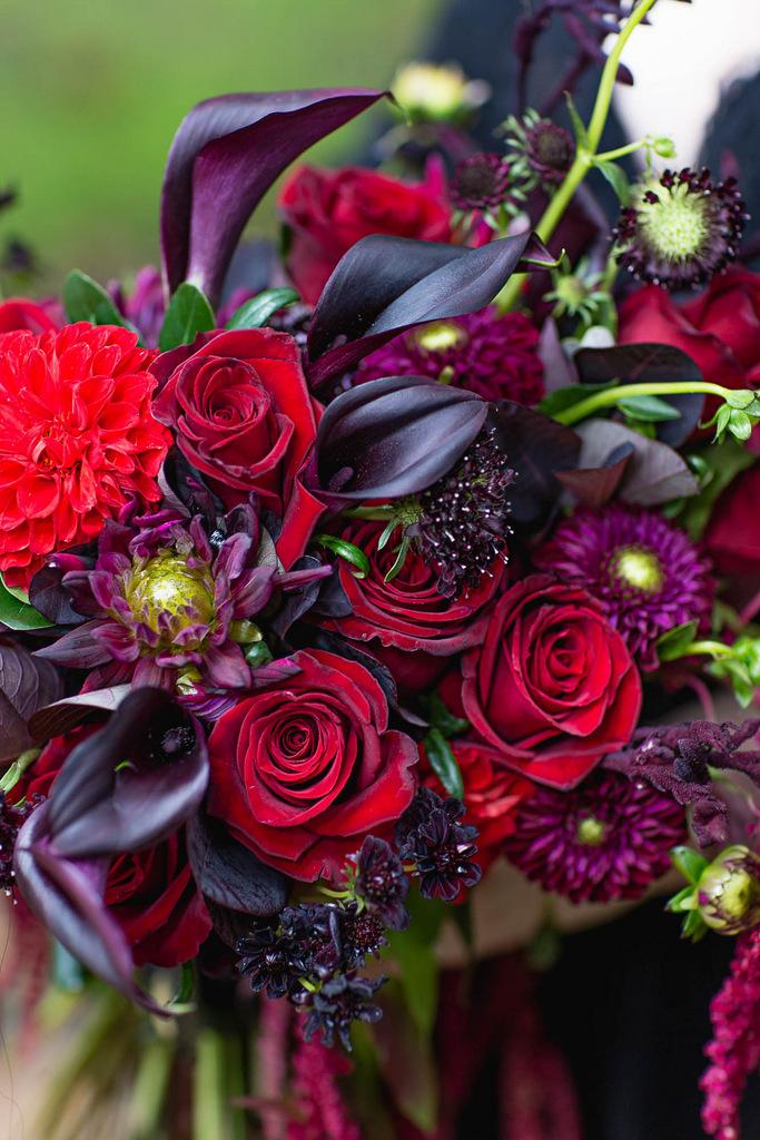 ANNIVERSARY | Dark and Moody Romantic Anniversary Shoot | C. Baron Photography | Pretty Pear Bride