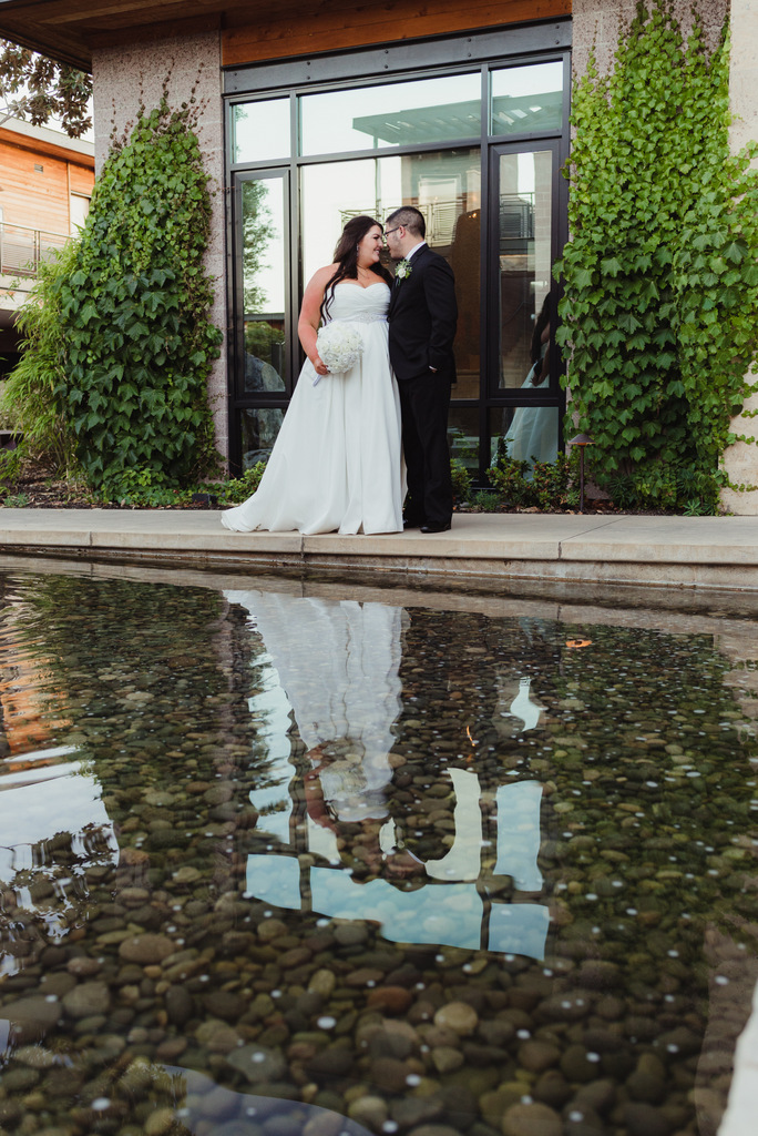plus size bride, pretty pear bride, destination wedding, napa valley wedding