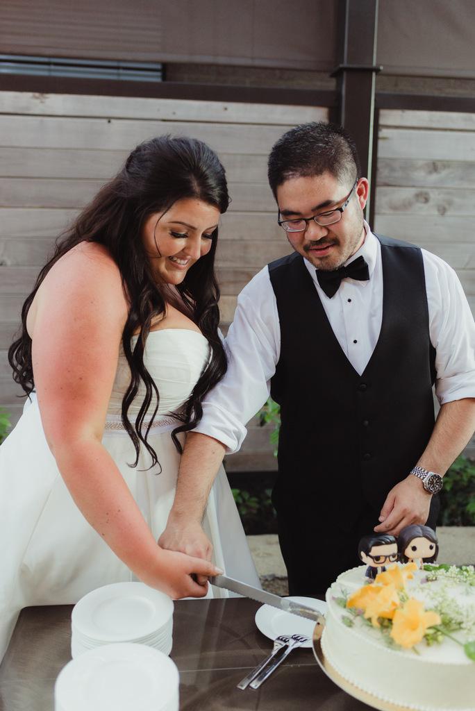 plus size bride, pretty pear bride, destination wedding, napa valley wedding