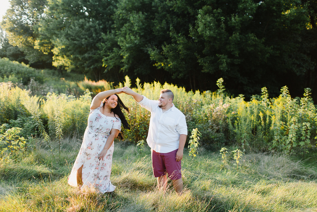 ENGAGEMENT | American Meets South African in Illinois Engagement | Stephanie Bartman Photography | Pretty Pear Bride ENGAGEMENT | American Meets South African in Illinois Engagement | Stephanie Bartman Photography | Pretty Pear Bride