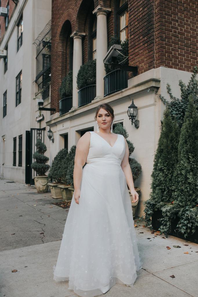 plus size bride, lovely bride, plus size bridal