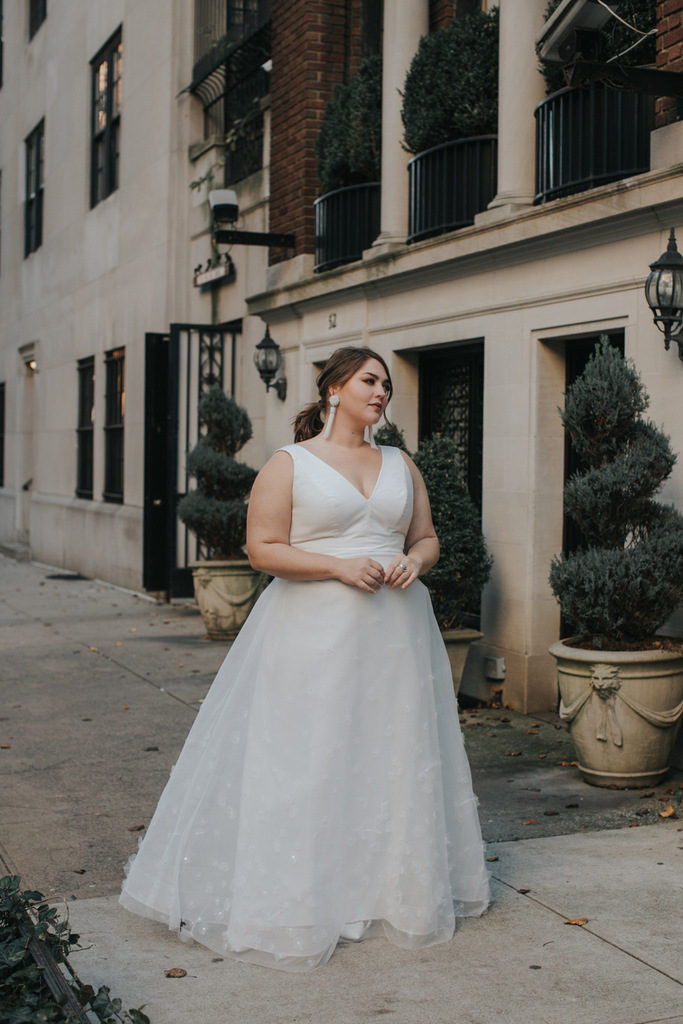 plus size bride, lovely bride, plus size bridal